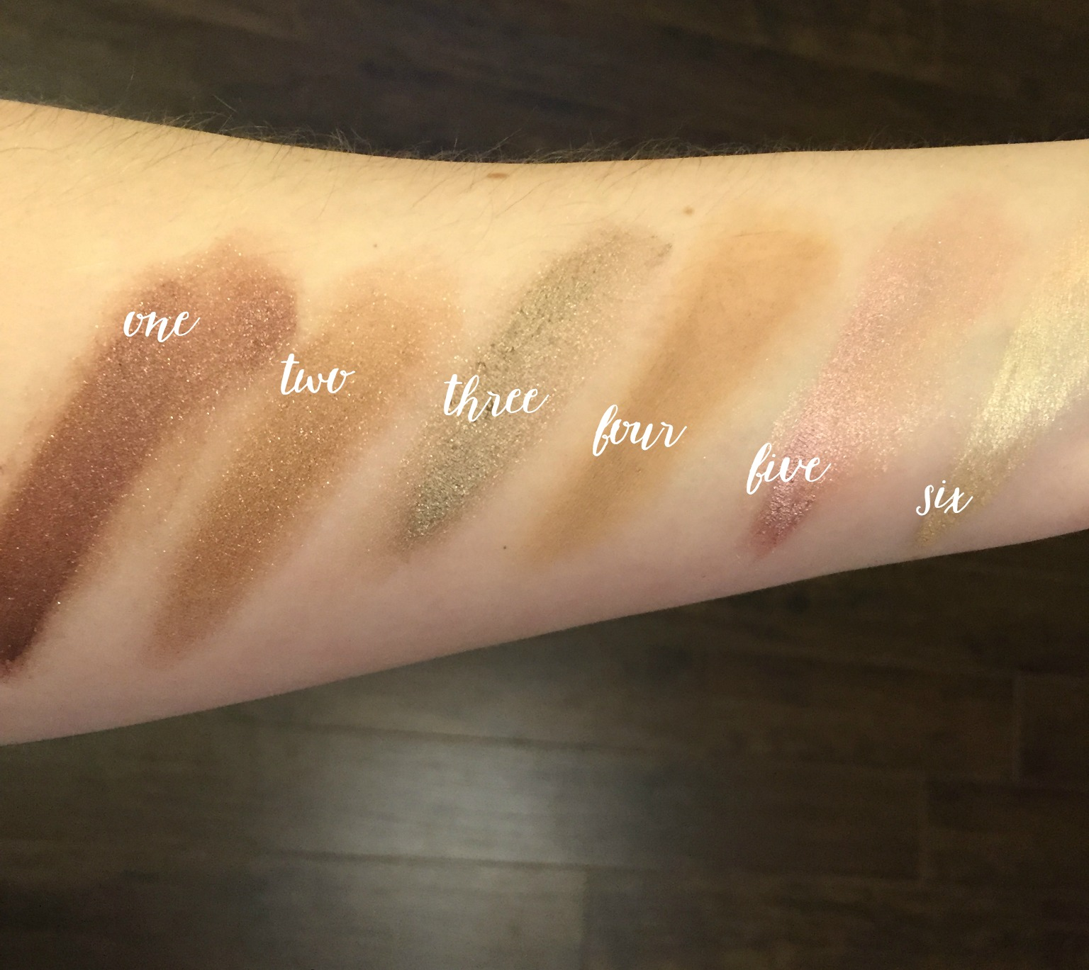 favouritecreamshadows-swatches